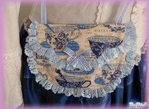 Tea-time Blue Pochette