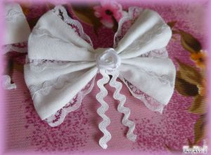White Flower Ribbon Pin